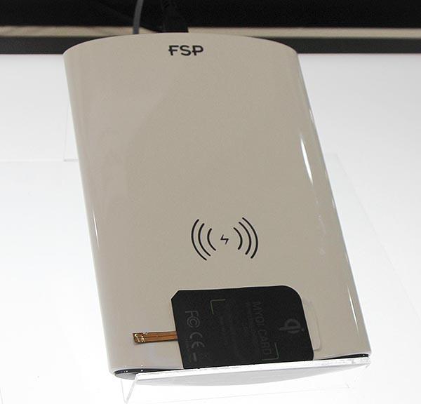Устройство для бесконтактной  беспроводной зарядки FSP wireless charging pad