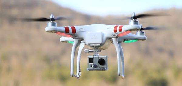 Квадрокоптер DJI Phantom c action-камерой GoPro Hero 2