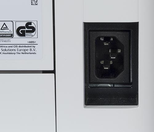 Трехконтактный разъем IEC C14 для подключения кабеля от электросети